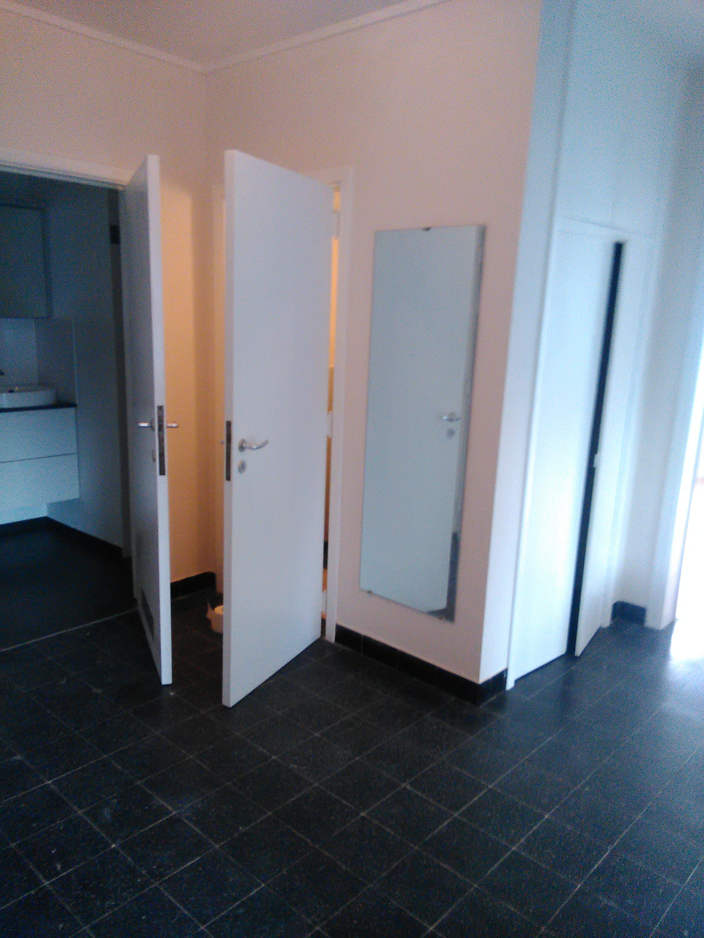 APPARTEMENT 1 CH- EN BON ETAT GENERAL + CAVE – PRIX 700 €